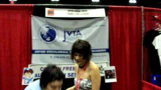 Anime Expo 2009 - Crispin Freeman - JVTA Booth