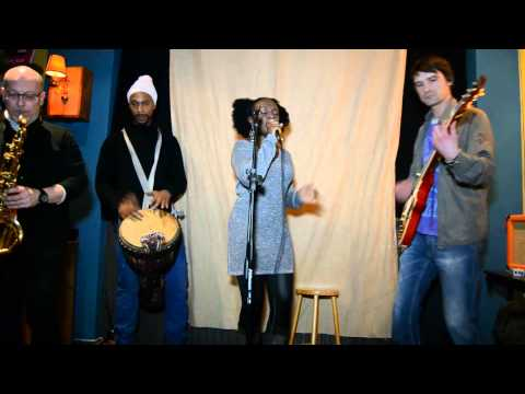 Yvonne Akeba & Band Perform @ Open Minds #4