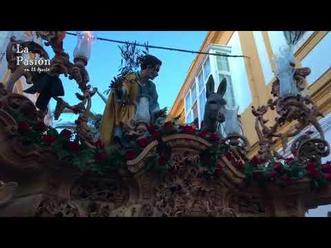 La Borriquita a su paso por las Siete Esquinas