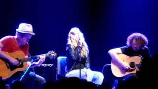 Anouk Modern World acoustic version