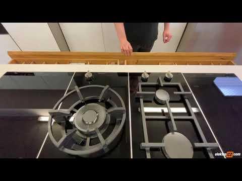 Outletová kuchyň s kompaktní pracovní deskou | Showroom Praha 9 Žitencká
