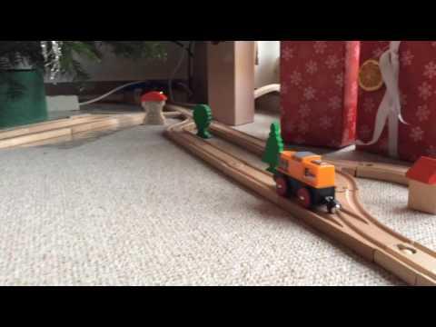 Holzeisenbahn und Weihnachtsbaum