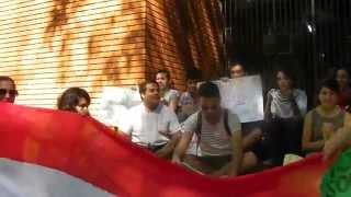 preview picture of video 'Sentata pacífica frente a Consulado de Paraguay en Foz.'