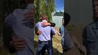 Олег Навальный вышел на свободу