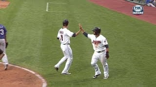 TEX@CLE: Indians open up six-run lead on Bourn's hit