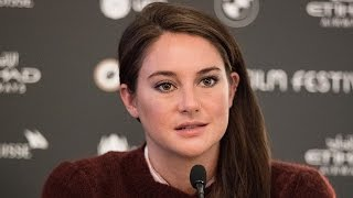 Shailene Woodley Gets Choked Up While Discussing Thanksgiving at Dakota Access Pipeline Protest, by Entertainment Tonight