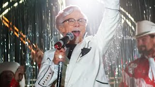 Reba McEntire is KFC's First Female Colonel Sanders
