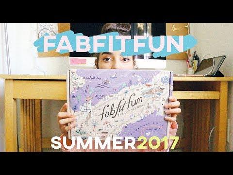 FABFITFUN SUMMER 2017 UMBOXING