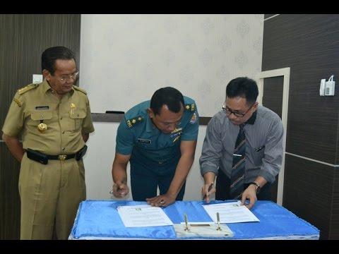 Penandatanganan MoU Pengelolaan Zakat antara Baznas dengan Pemerintah Daerah Provinsi Sulawesi Tengah dan Universitas Tadulako, Serta MoU Antara Lanal Palu dengan Universitas Tadulako Di Rektorat Lantai III Untad Palu