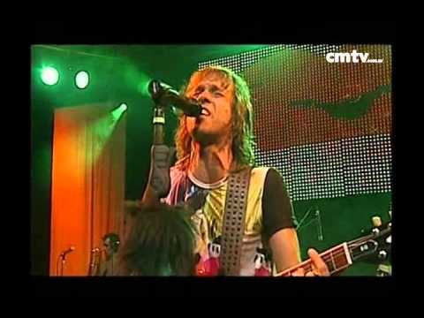 Los Auténticos Decadentes video Besandoté - CM Vivo 2009
