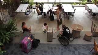 preview picture of video 'Bansabai Youth Hostel tour , Lad Prao , Bangkok Thailand 2013'