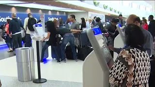 More people planning to fly for Thanksgiving holiday