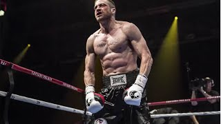 Jake Gyllenhaal's 2,000 Crunch Fitness Routine - The Southpaw Workout | InStyle