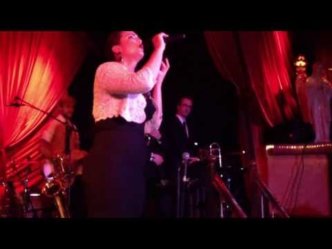Caro Emerald - The wonderful in you  (live - release)