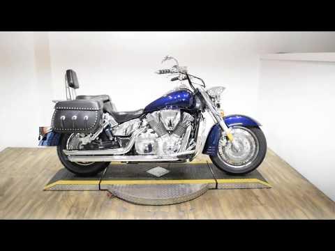 2004 Honda VTX Retro 1300 in Wauconda, Illinois - Video 1