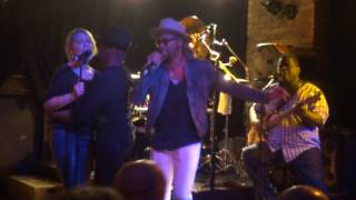 "Dr. Mambo's Combo featuring Andre Cymone, ""She is always in my hair"", Bunker's Mpls, 24-04-2017"
