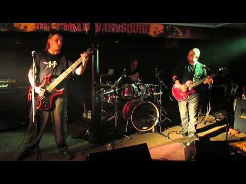 Bonesaw Of The Brains - Riot (z druhé strany)