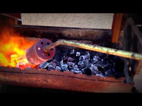 Άναμμα κάρβουνων σε 2 λεπτά