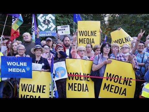 Πολωνία: Ψηφίστηκε ο νόμος για την ξένη ιδιοκτησία των ΜΜΕ…