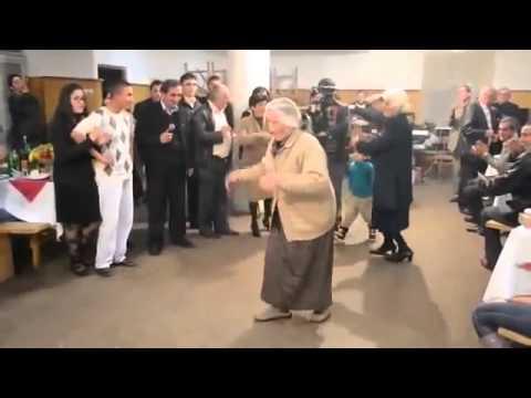 Armenian grandmothers dance Yarkhushta