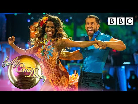 Kelvin and Oti Samba to 'La Vida Es Un Carnaval' | Week 1 – BBC Strictly 2019