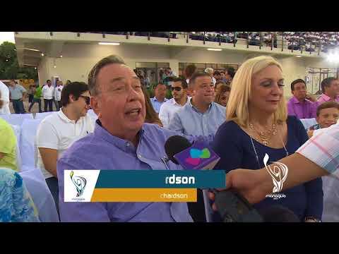 MICHELE RICHARDSON Y FAMILIA EN INAUGURACIÓN DE COMPLEJO DE PISCINAS