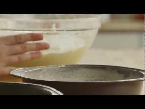 Video How to Make Homemade Yellow Cake