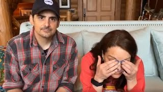 Brad Paisley And His Wife Share Hilarious Outtakes From PSA