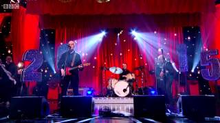Wilko Johnson - Going Back Home (Jools Annual Hootenanny 2015)