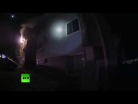Iowa police officers risk their lives to save childred from burning building