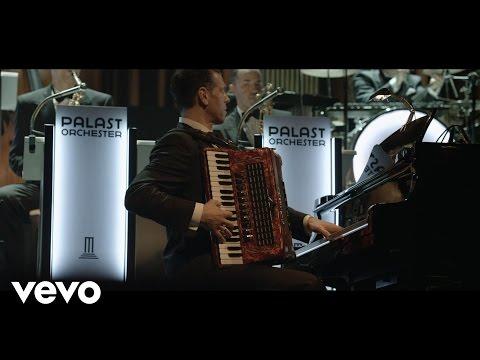 Max Raabe, Palast Orchester - Du passt auf mich auf (Live)