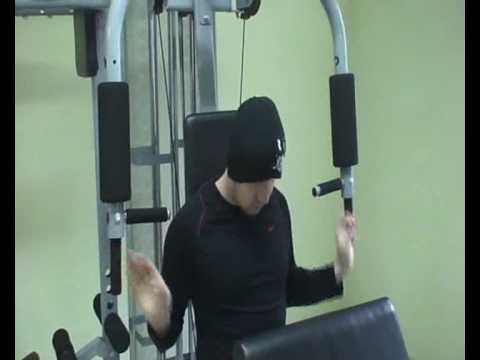 Ćwiczących pracują mięśnie