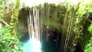 preview picture of video 'CENOTE / SINKHOLE IK KIL YUCATAN MEXICO'