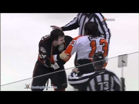 Dan Carcillo vs Kyle Chipchura