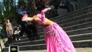 تحميل اغاني Danza del ventre tra le Ferrari a Bressana Bottarone الرقص الشرقي MP3
