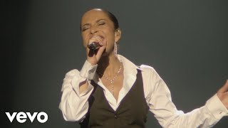 Sade - Love Is Stronger Than Pride (Live 2011)