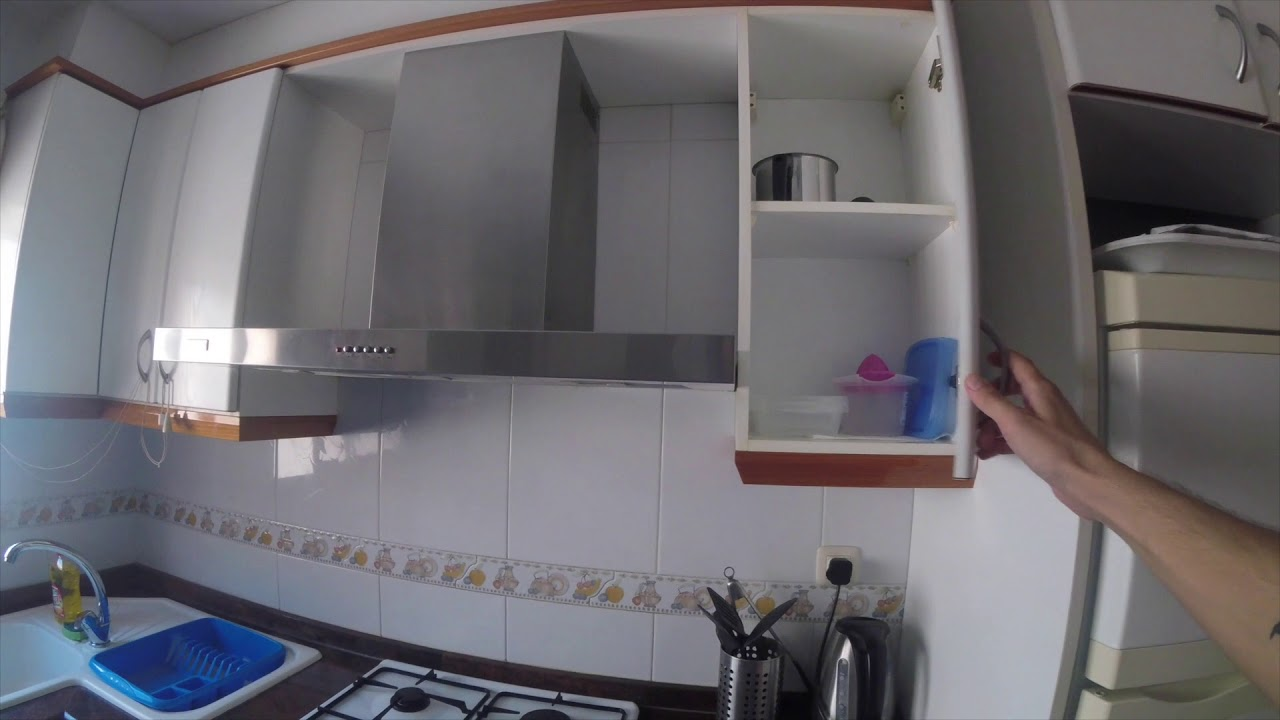 Furnished room with shelving in 3-bedroom apartment, Camins al Grau