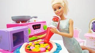 Игры для девочек. ПИЦЦА от Барби по фирменному рецепту🍕 Готовимся к вечеринке🎉 Мультики про #Барби