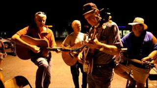 I'm Working on a Road to Gloryland: THE OCOEE PARKING LOT BLUEGRASS JAM  7-27-12