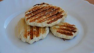 Смотреть онлайн Блинчики из куриного филе на сковороде гриль