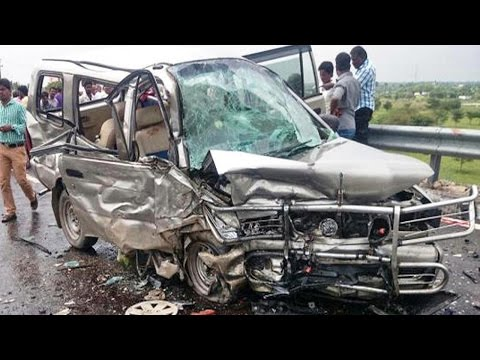 Latest Car Accident Of Chevrolet Tavera In India - Road - Crash - Compilation - 2016 - 2017 - 2018