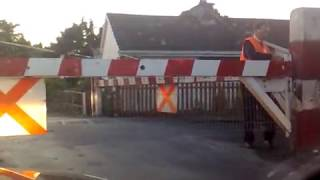 preview picture of video 'Athenry railway crossing'