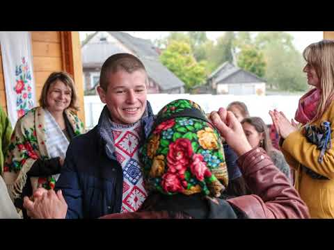 Dancing at the wedding (Belarus, Turov).