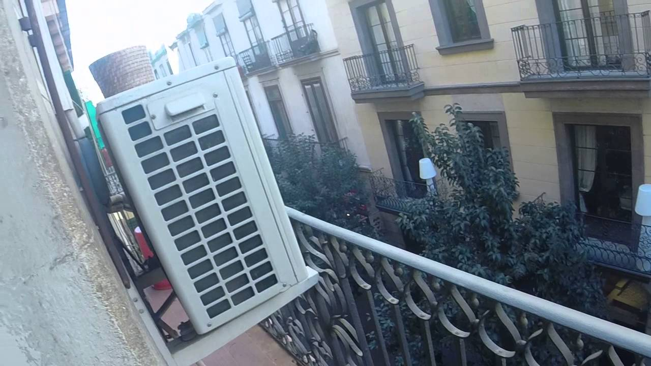 4-bedroom apartment with AC and balcony in El Raval