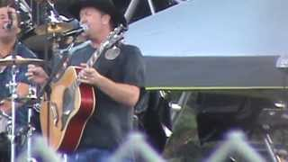 Tracy Lawrence - I See It Now @ Country USA 2012