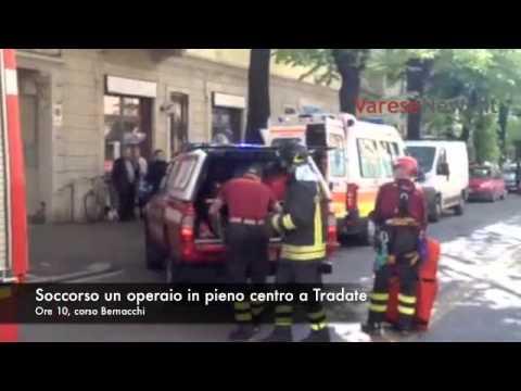 Operaio soccorso in centro a Tradate