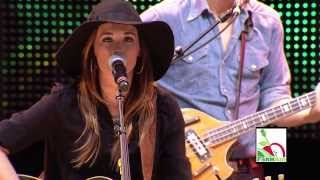 Kacey Musgraves - Silver Lining (Live at Farm Aid 2013)