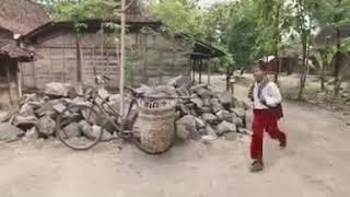 Kisah Anak Desa Yang Mengejar Cita Cita