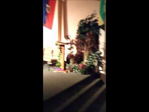 Toya Jones Worshipping (Singing: Here I am to Worship/ Break Every Chain)