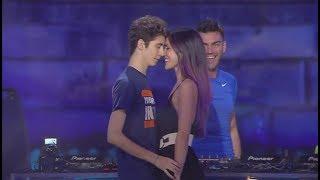"""FAVIJ & GIULIA PENNA   """"MOMENTO SHOCK"""" SUL PALCO IN LIVE!"""